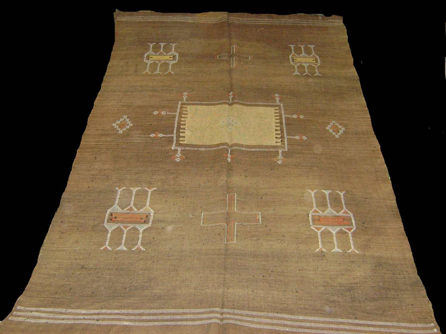 vente de tapis berberes fengshuihabitation. Black Bedroom Furniture Sets. Home Design Ideas